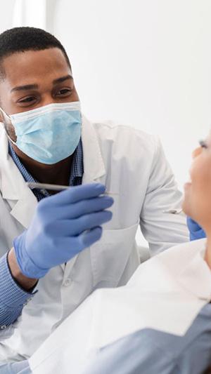 Dentista Hospitalar: como é a atuação para além do consultório?
